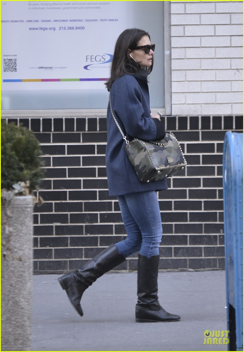 katie holmes raves on zachary quinto glass menagerie 073033926