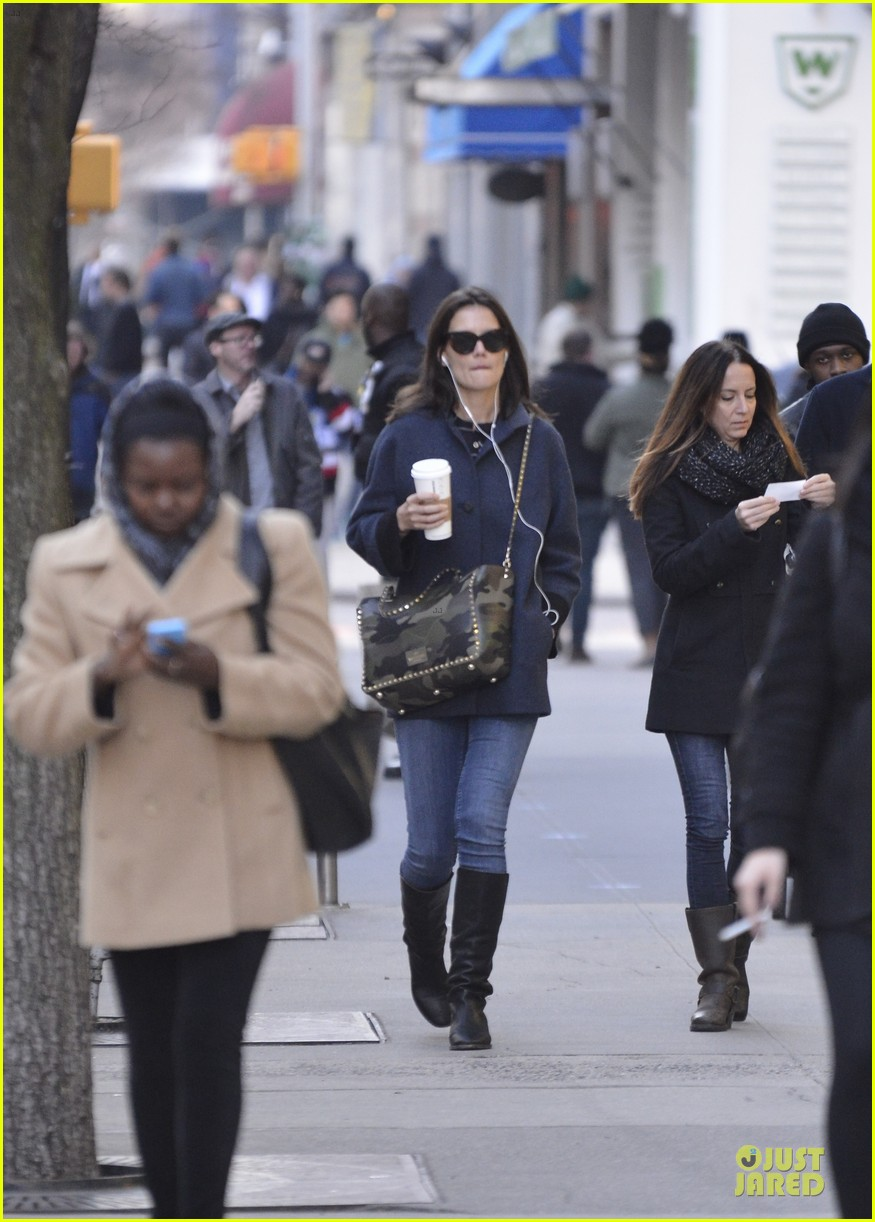 katie holmes raves on zachary quinto glass menagerie 083033927