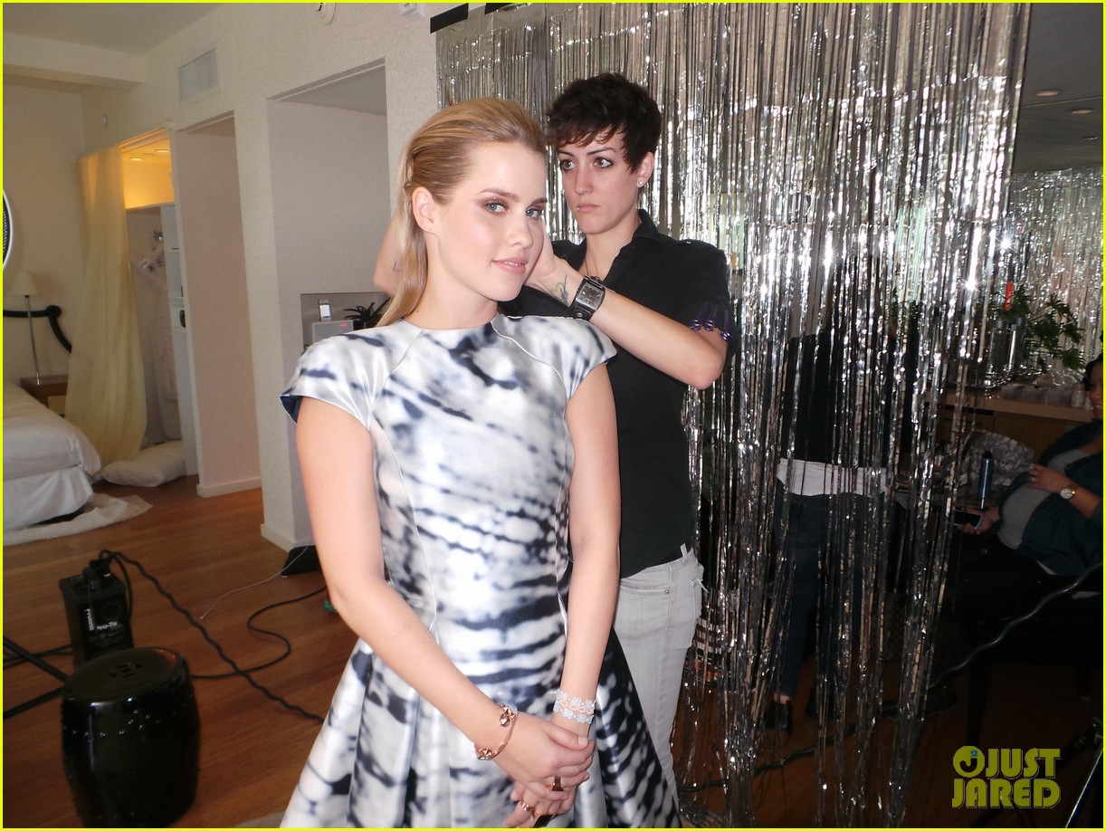 claire holt jj spotlight behind the scenes pics exclusive 093031101
