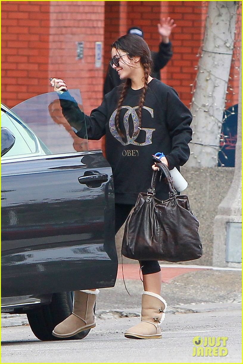 vanessa hudgens credits croissants for gimme shelter weight gain 063041766