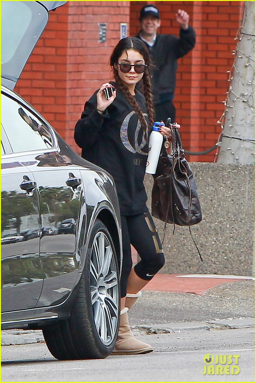 vanessa hudgens credits croissants for gimme shelter weight gain 073041767