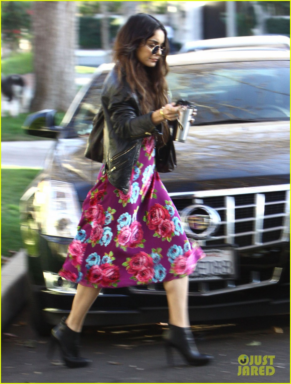vanessa hudgens hangs out at ashley tisdales home 023040294