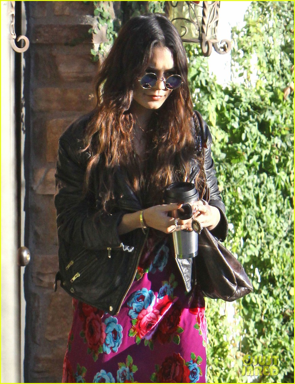 vanessa hudgens hangs out at ashley tisdales home 063040298