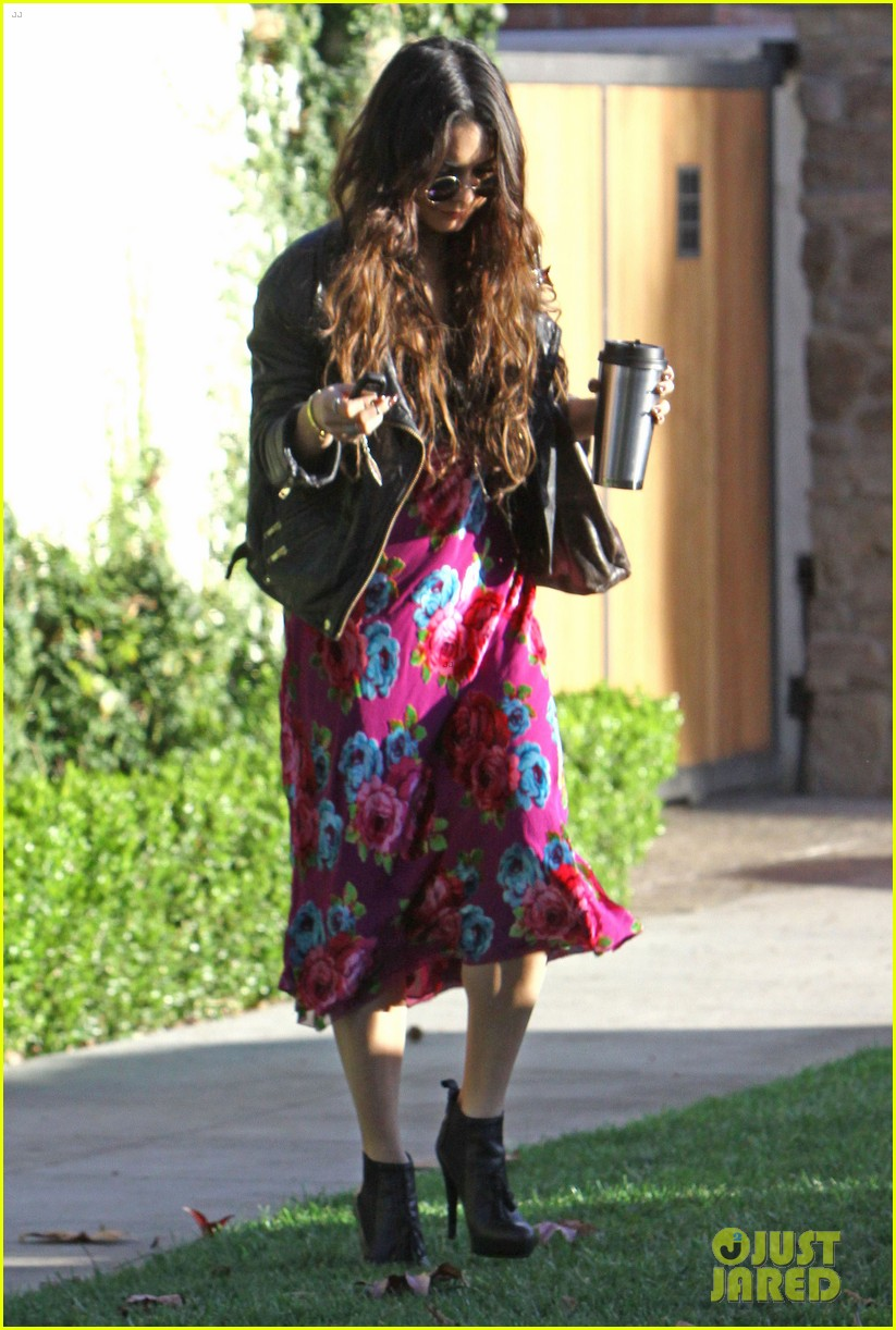 vanessa hudgens hangs out at ashley tisdales home 093040301
