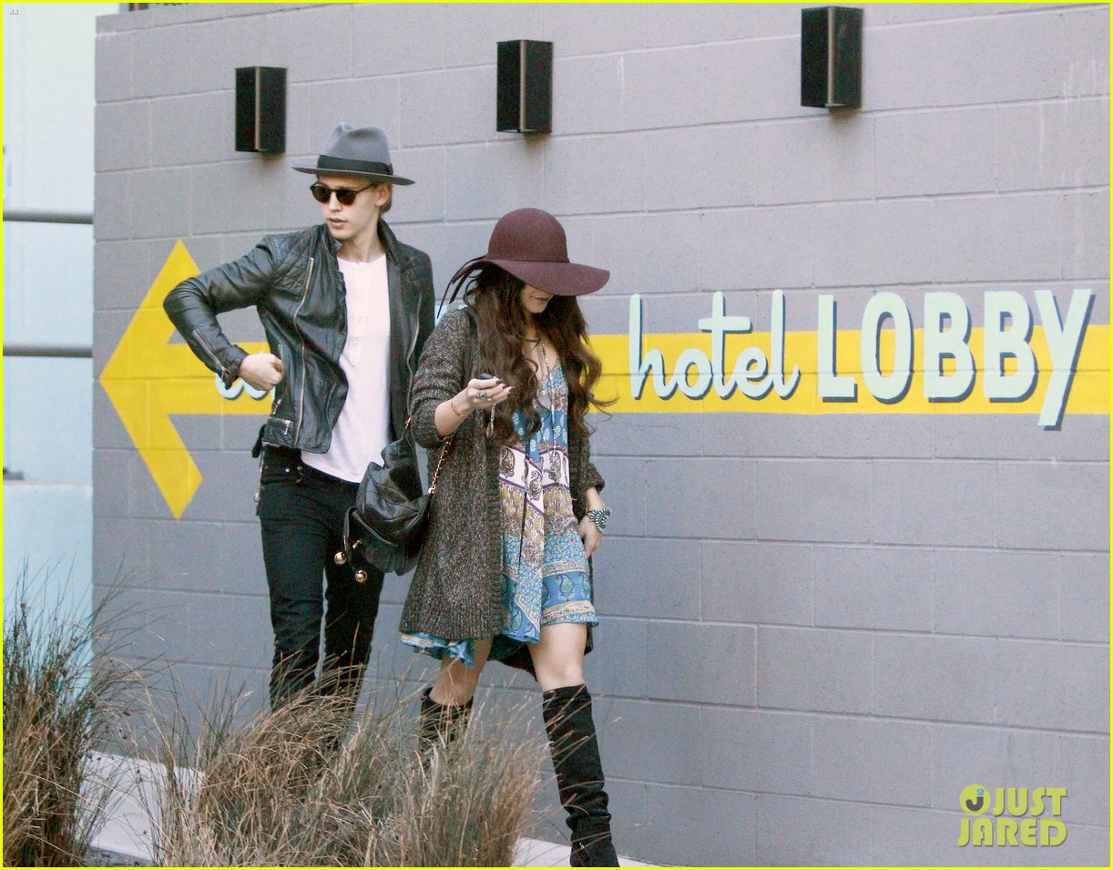 vanessa hudgens hangs with austin butler before leno taping 193032295
