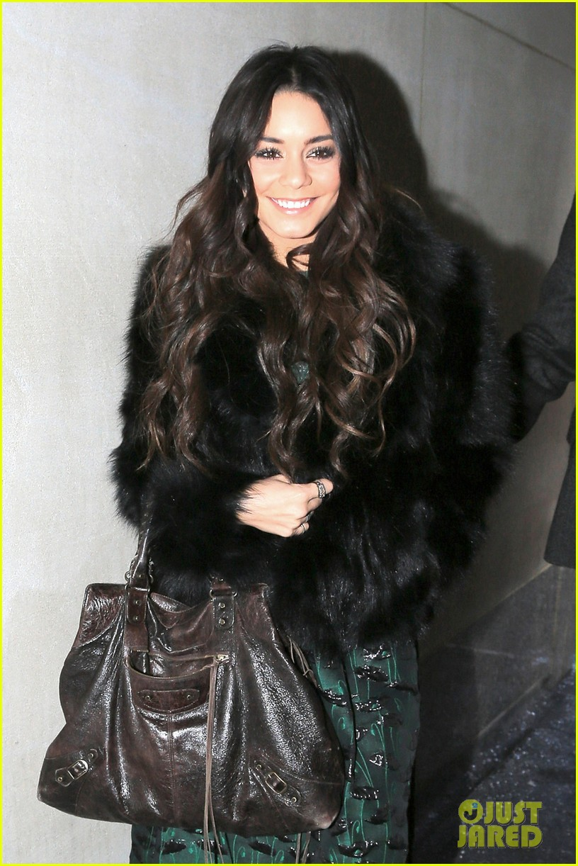 vanessa hudgens freaks out over meeting meryl streep 023038499