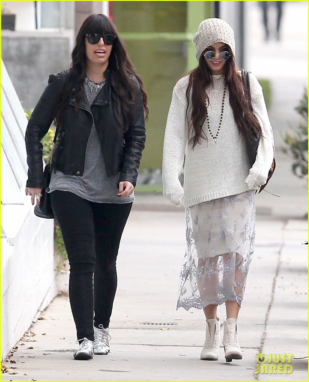 vanessa hudgens channels yoko ono in boho sunglasses 013044598