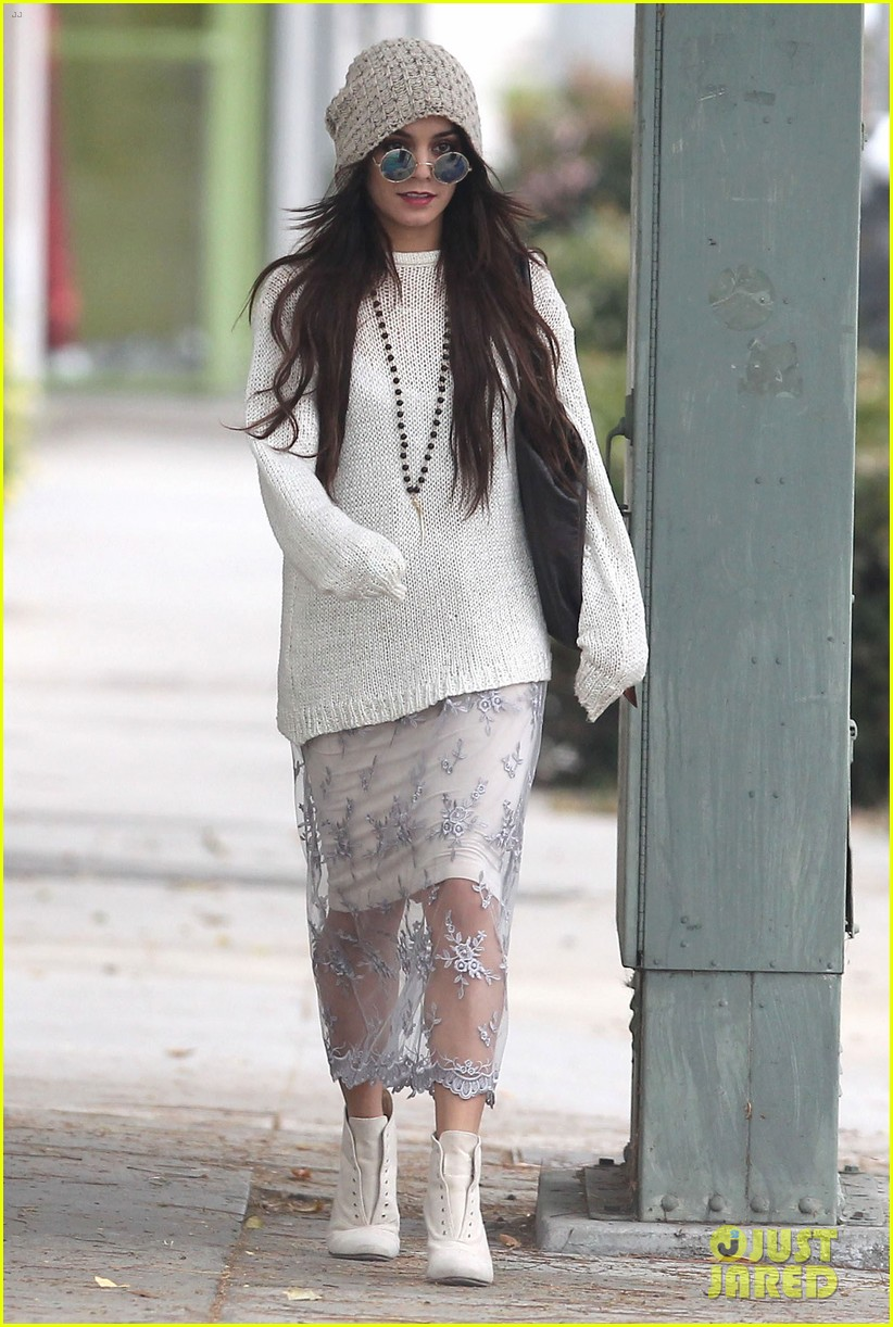 vanessa hudgens channels yoko ono in boho sunglasses 033044600