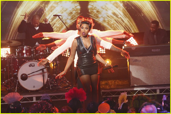 jennifer hudson belts it out for new years eve 2014 video 073020869