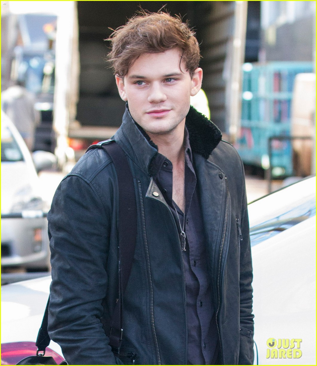 jeremy irvine i stopped eating for the railway man 043027050