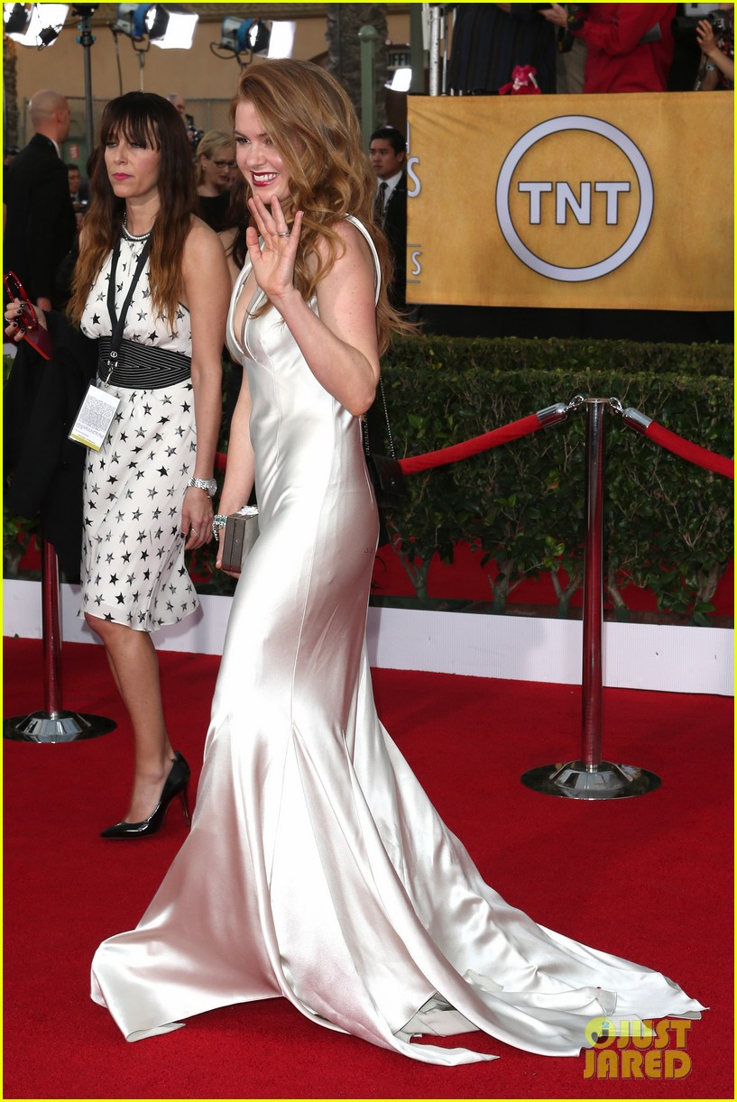 isla fisher sag awards 2014 red carpet 053034788