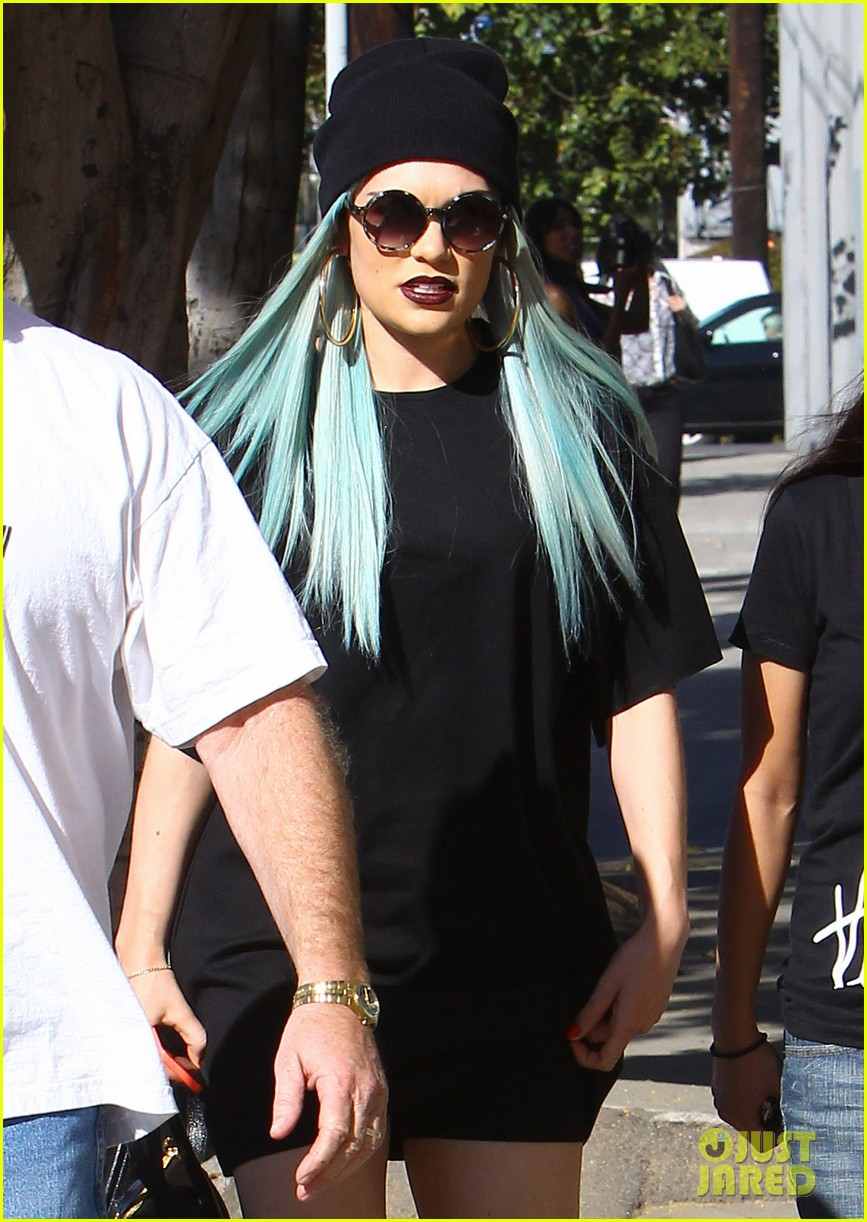 jessie j rocks blue hair while spending time in la 173032529