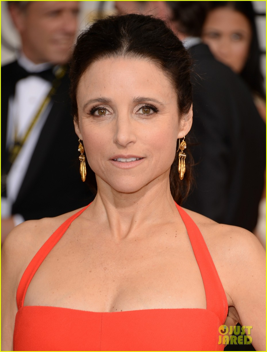 julia louis dreyfus golden globes 2014 red carpet 033029487