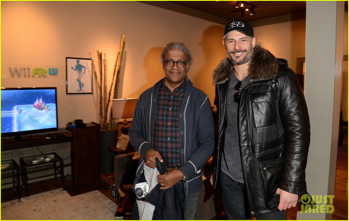 joe manganiello hangs at sundances nintendo chalet 043037629