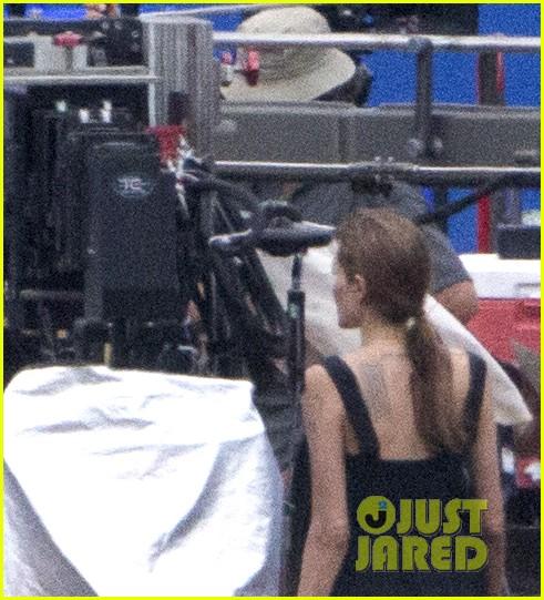 angelina jolie continues directing unbroken in australia 043039252
