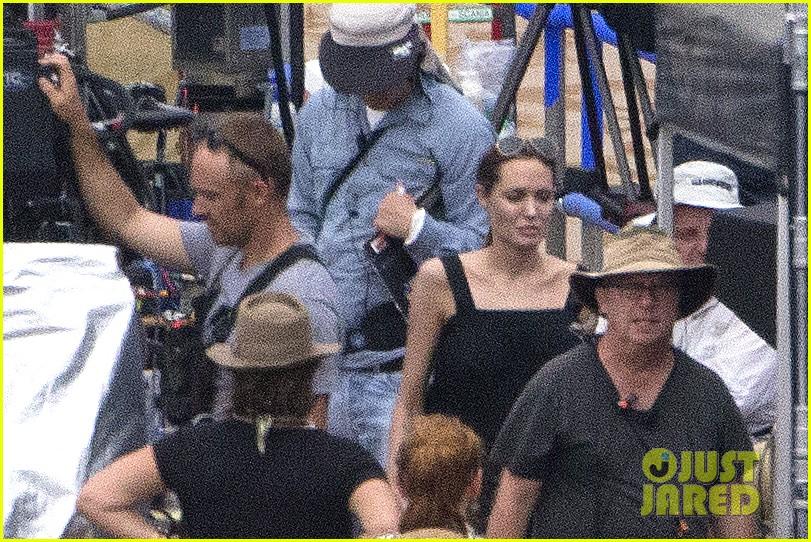 angelina jolie continues directing unbroken in australia 07