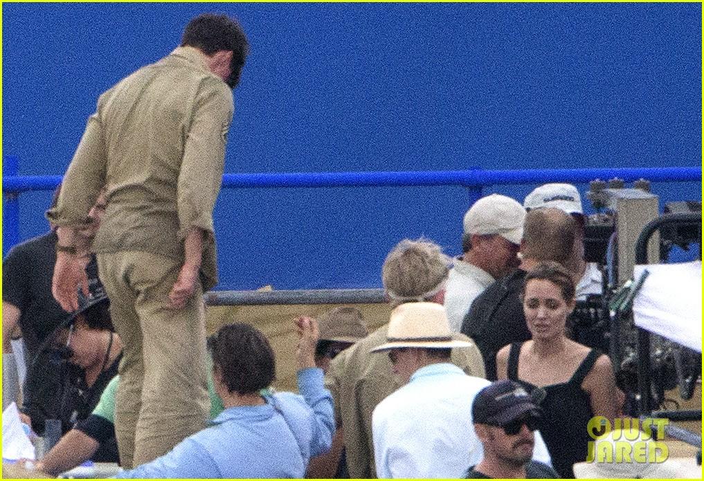 angelina jolie continues directing unbroken in australia 313039279