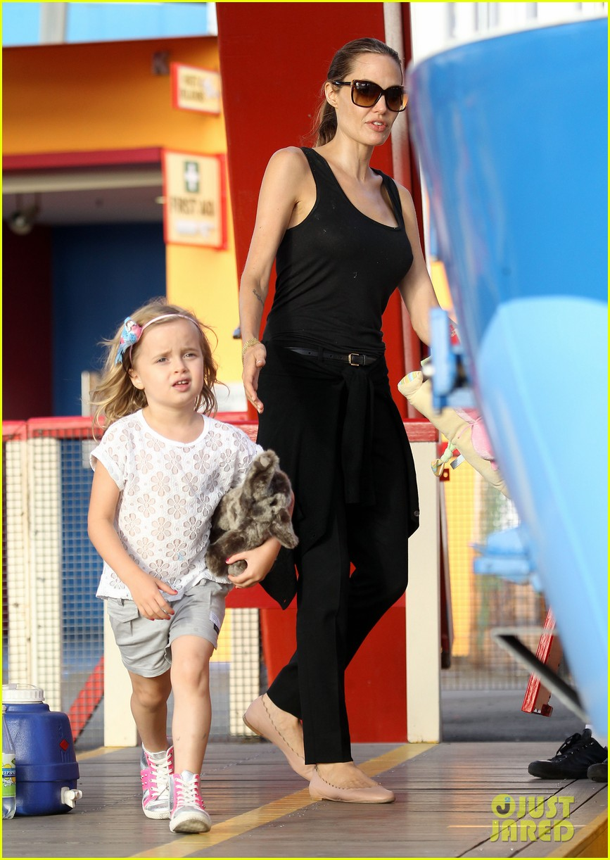 angelina jolie luna park fun with the kids 013024374