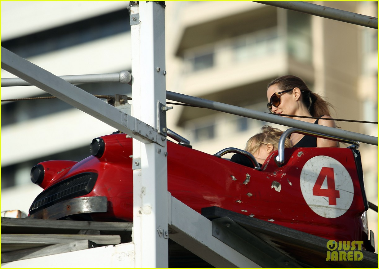 angelina jolie luna park fun with the kids 043024377