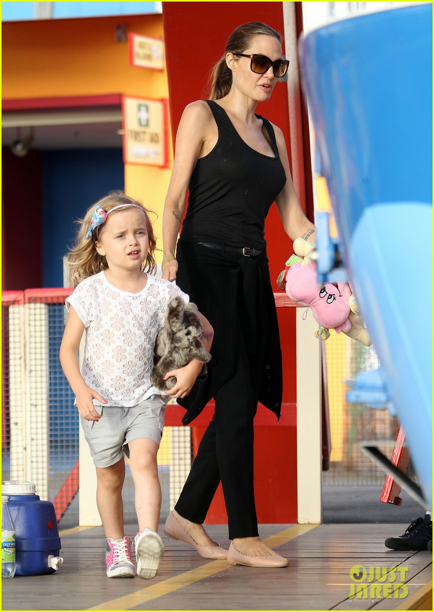 angelina jolie luna park fun with the kids 27