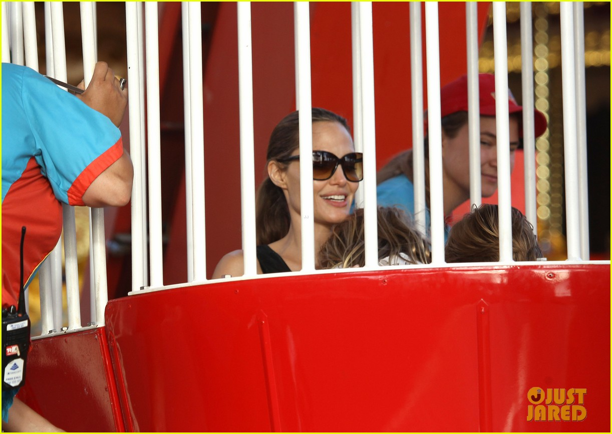 angelina jolie luna park fun with the kids 29