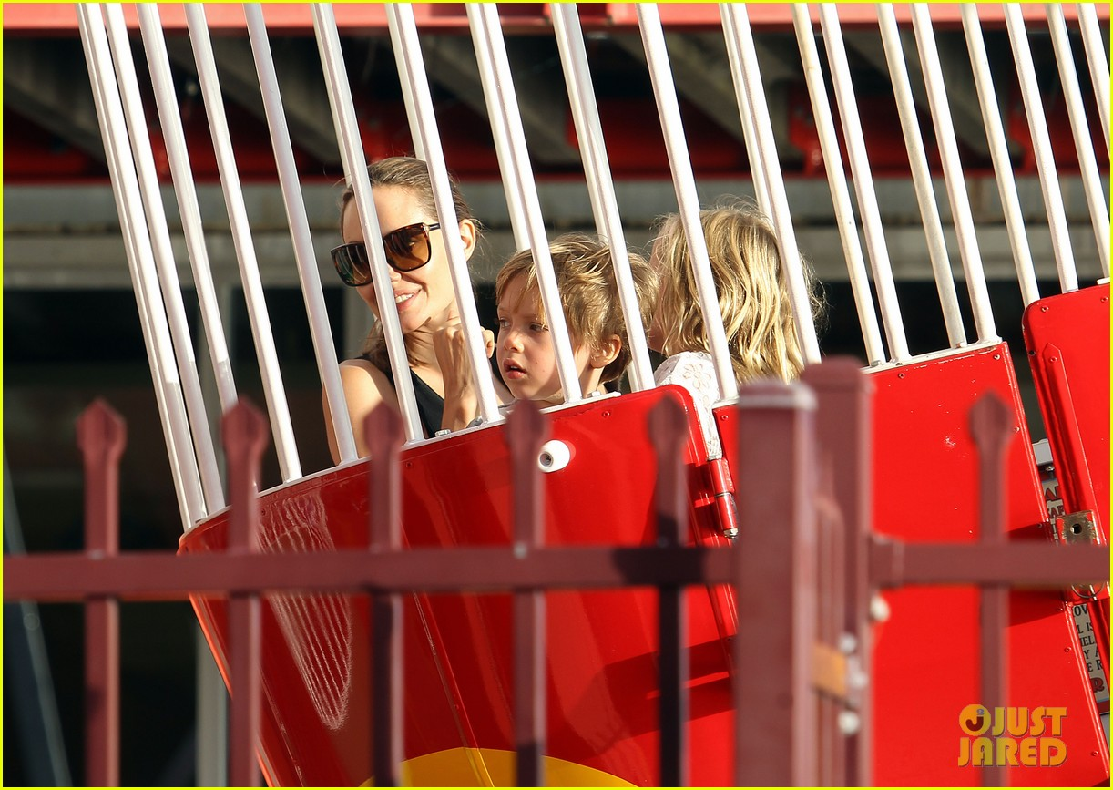 angelina jolie luna park fun with the kids 37