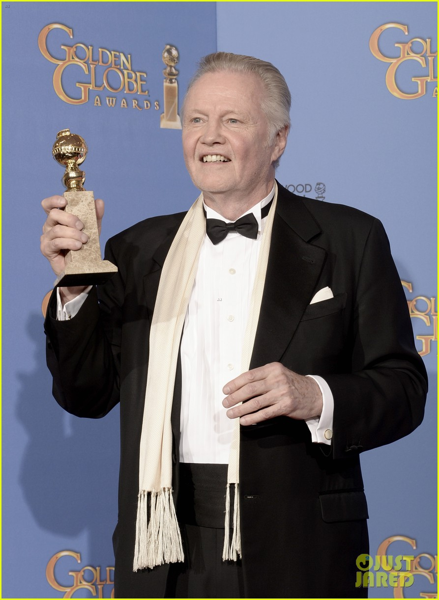 jon voight wins best supporting actor golden globes 2014 013029586