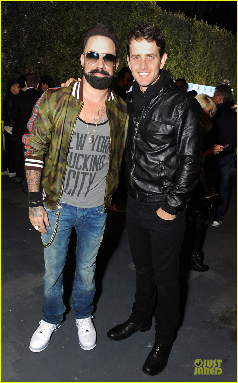 nick joe jonas friends n family pre grammy party 033040096