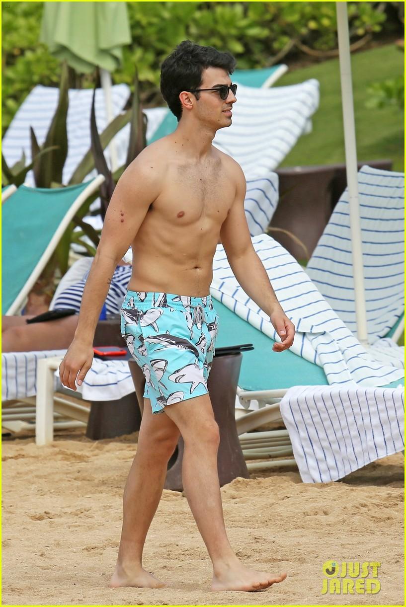 joe jonas shirtless beach frisbee player in hawaii 053023730