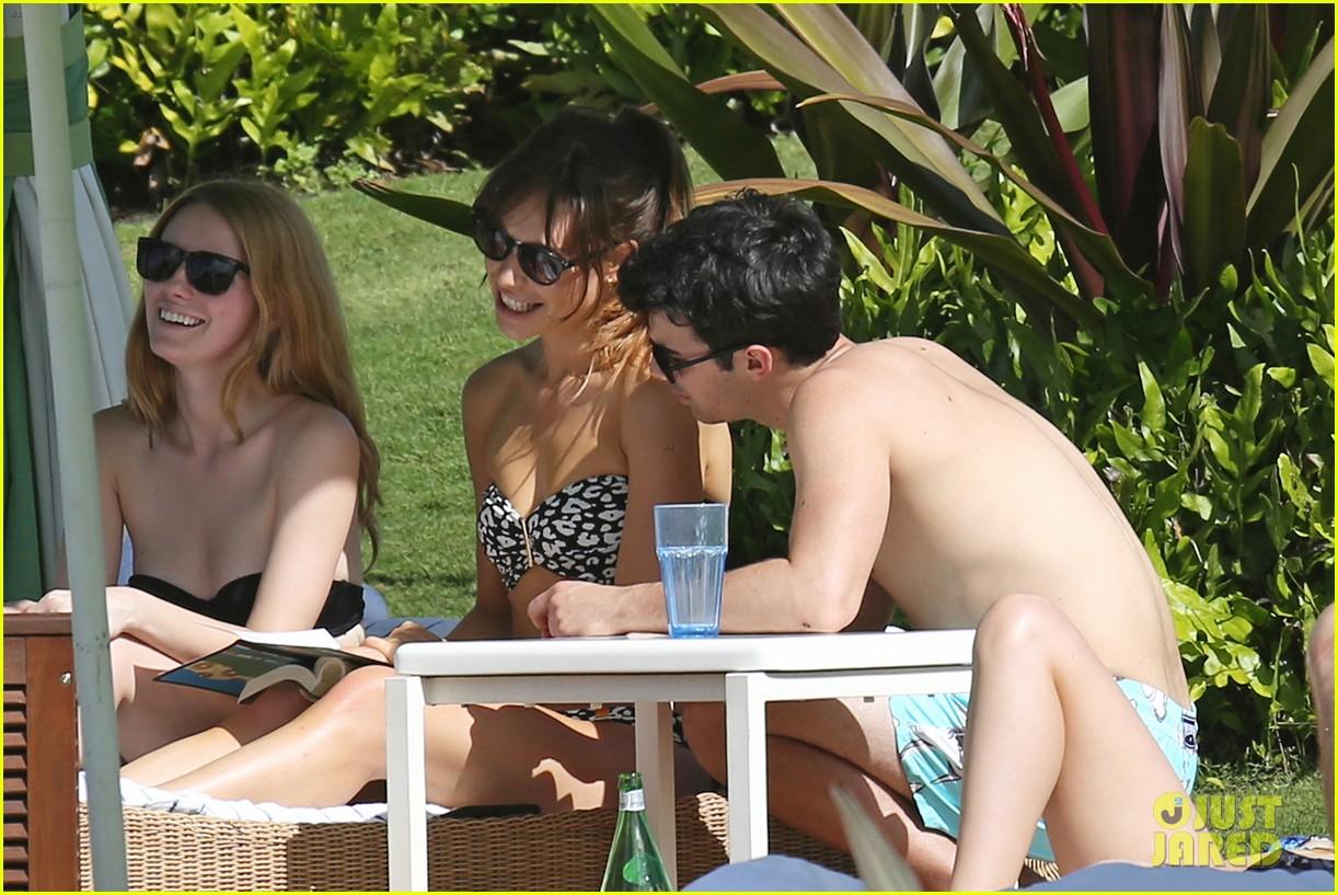 joe jonas shirtless beach frisbee player in hawaii 113023736
