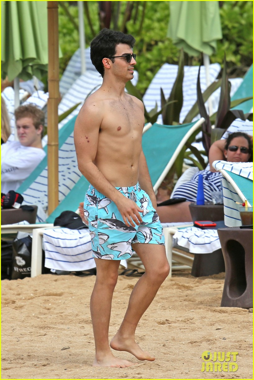 joe jonas shirtless beach frisbee player in hawaii 173023742