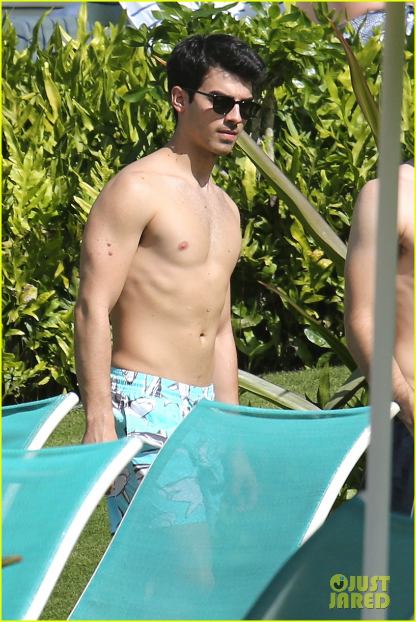 joe jonas shirtless beach frisbee player in hawaii 193023744