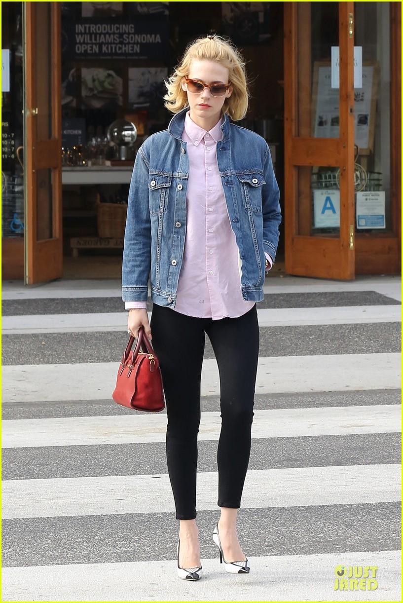 january jones supports denver broncos before super bowl 2014 073043171