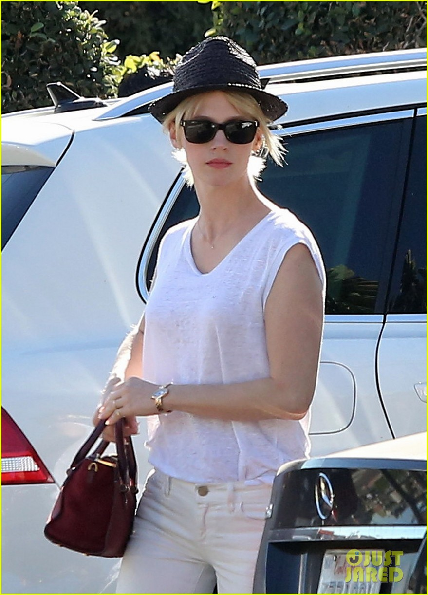 january jones vision in white for shopping trip 04