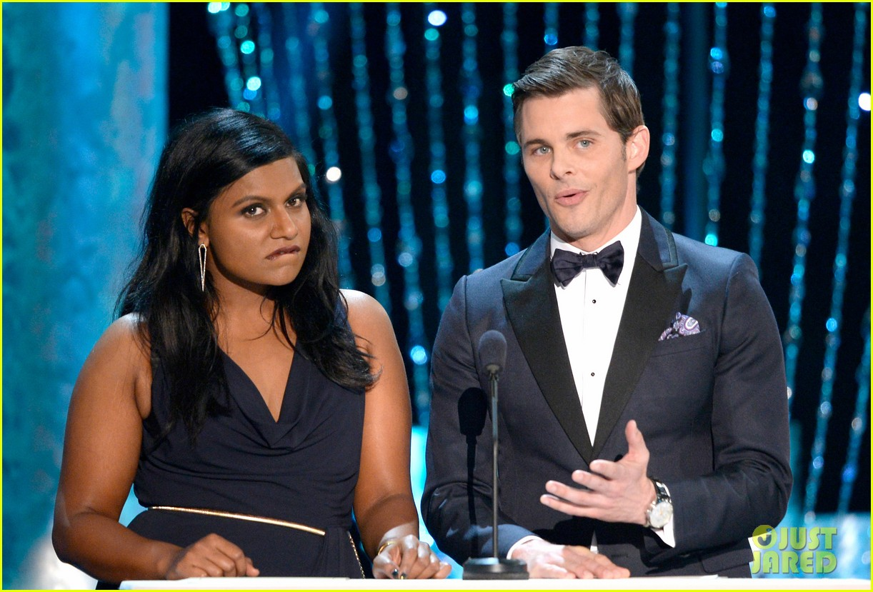 mindy kaling hannah simone sag awards 2014 red carpet 043034936