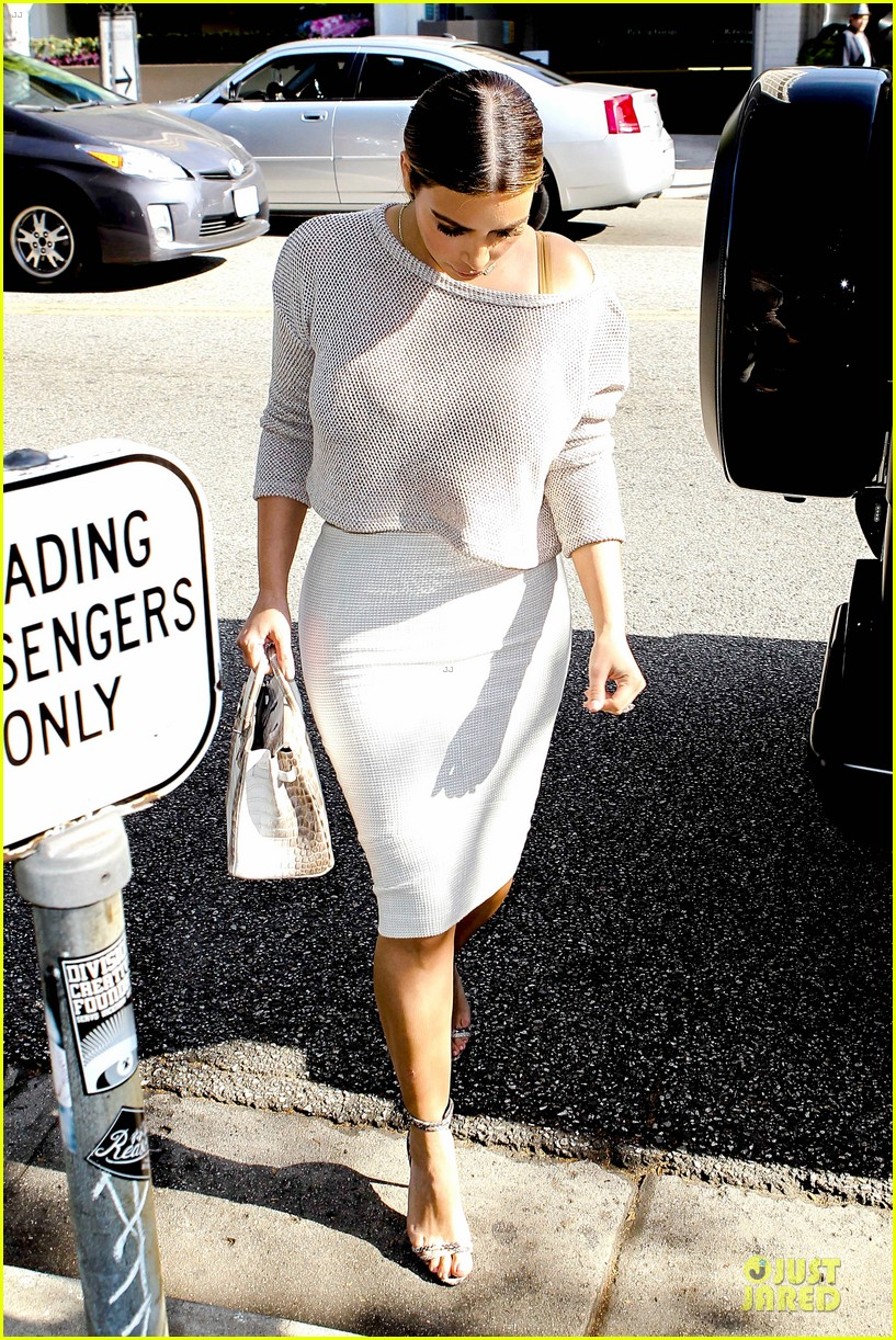 kim kardashian kanye west bright saturday outings 25