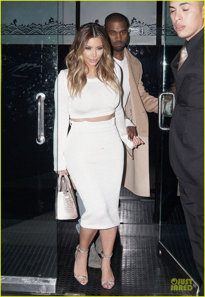 kim kardashian bares midriff for dinner with kanye west 093029901