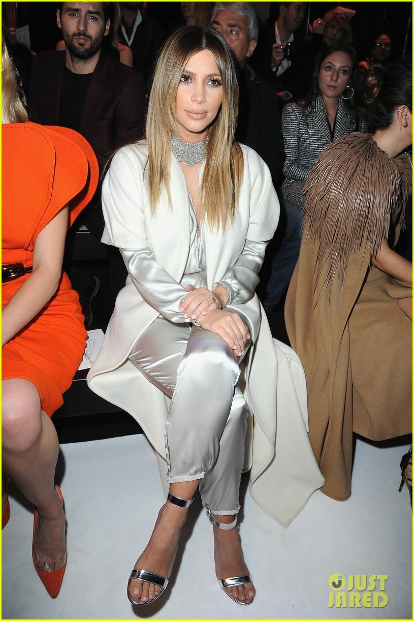 kim kardashian stephane roland fashion show 083037092