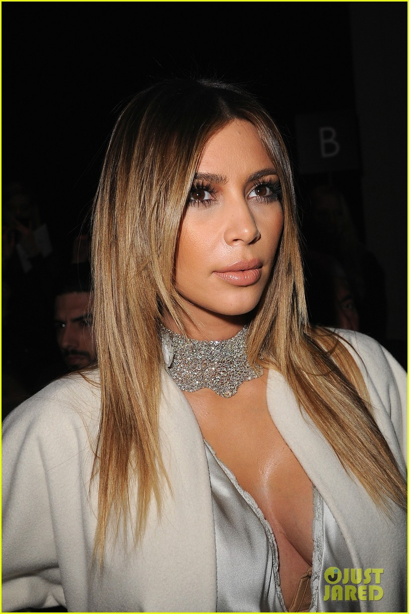 kim kardashian stephane roland fashion show 10