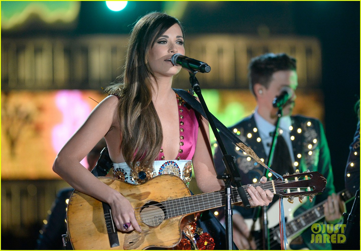 kasey musgraves follow your arrow grammys 2014 053041551