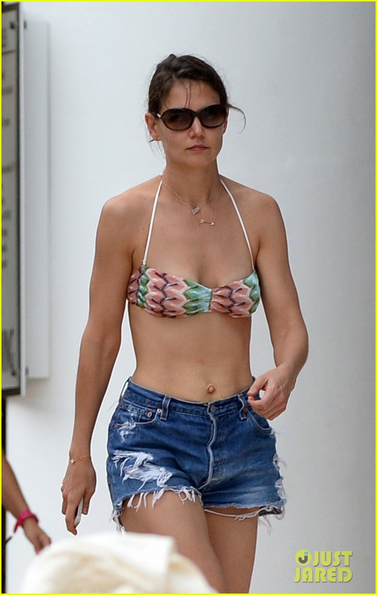 katie holmes continues pollside bikini vacation with suri 343021086