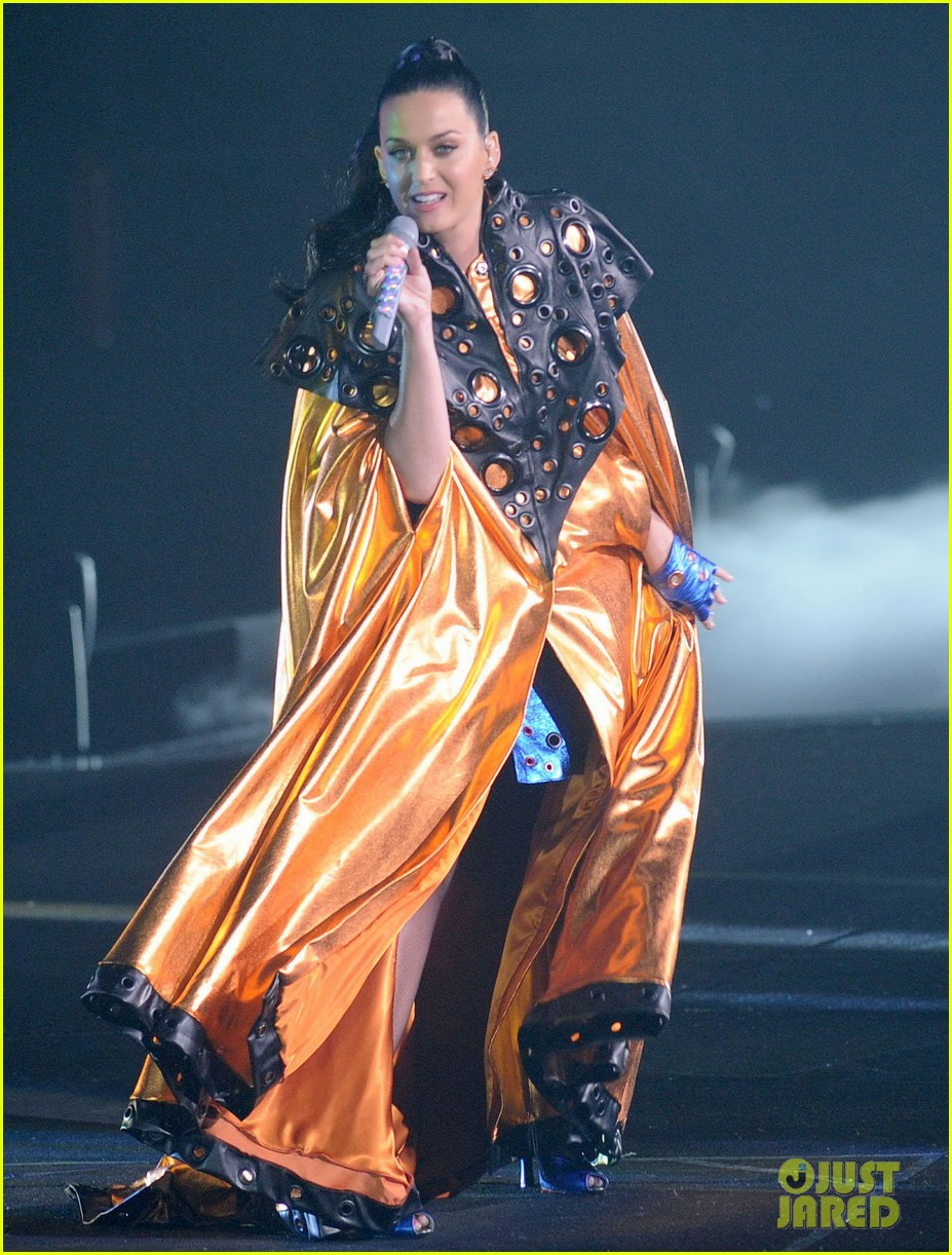 katy perry performs infiniti brand festival 2014 china 073028841