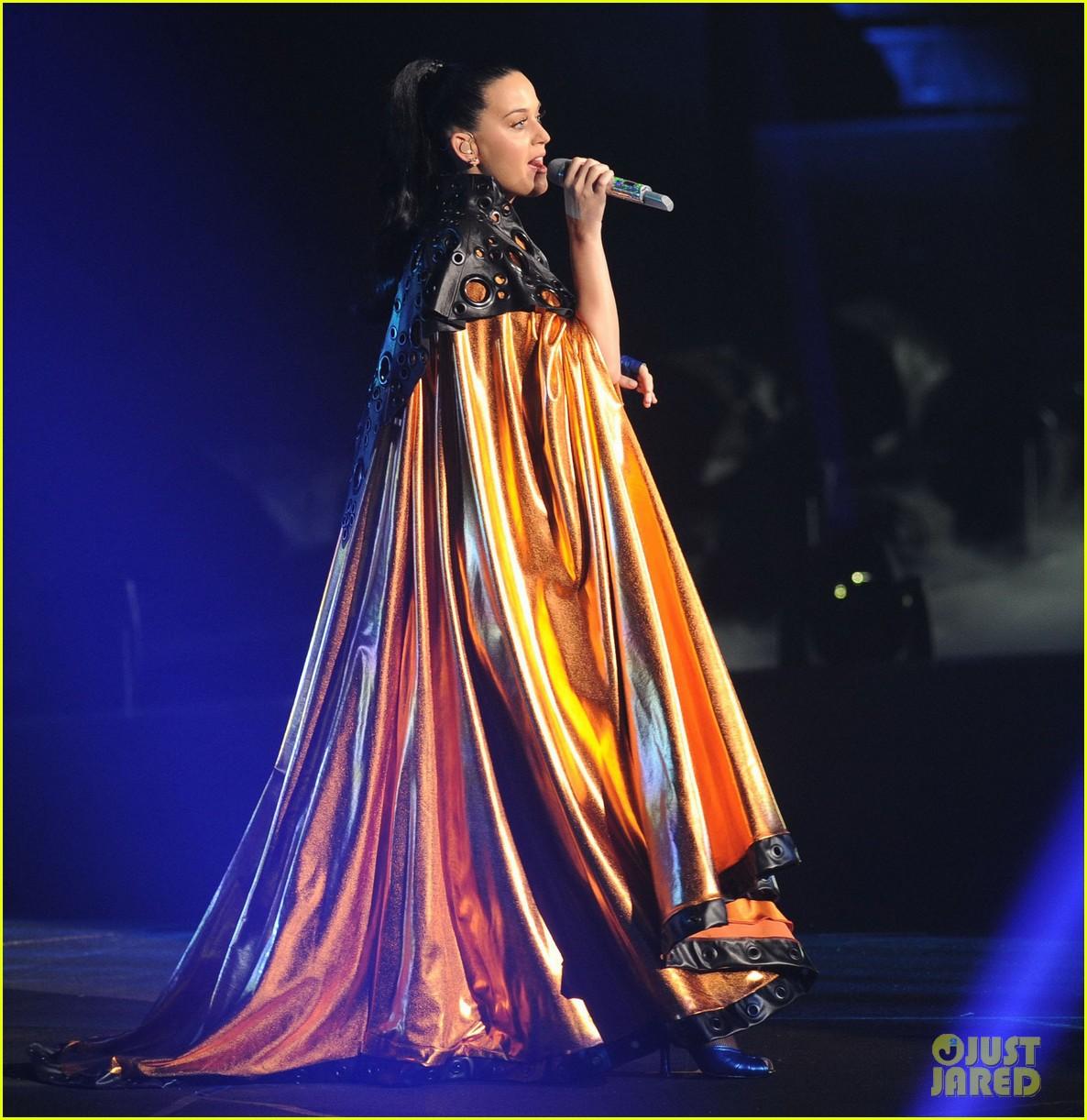 katy perry performs infiniti brand festival 2014 china 093028843
