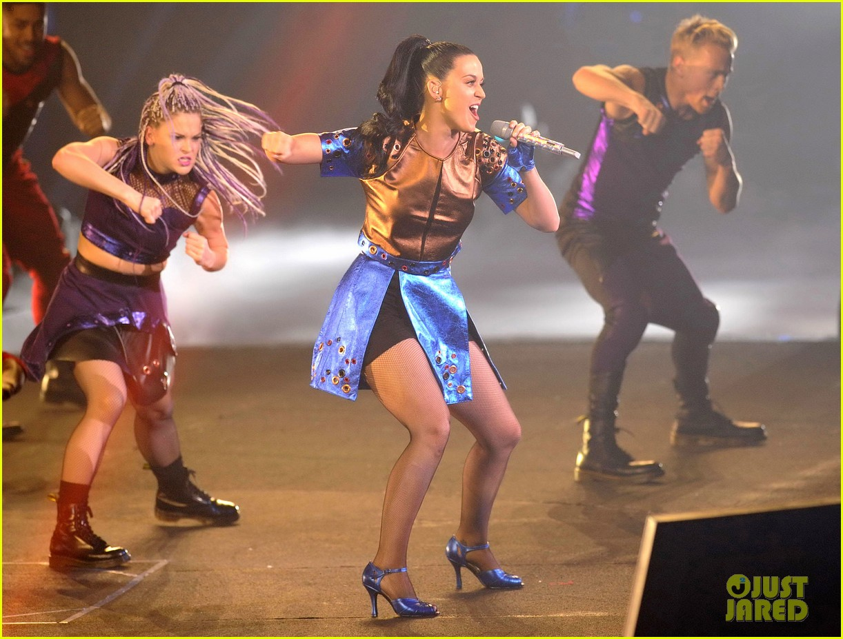 katy perry performs infiniti brand festival 2014 china 103028844