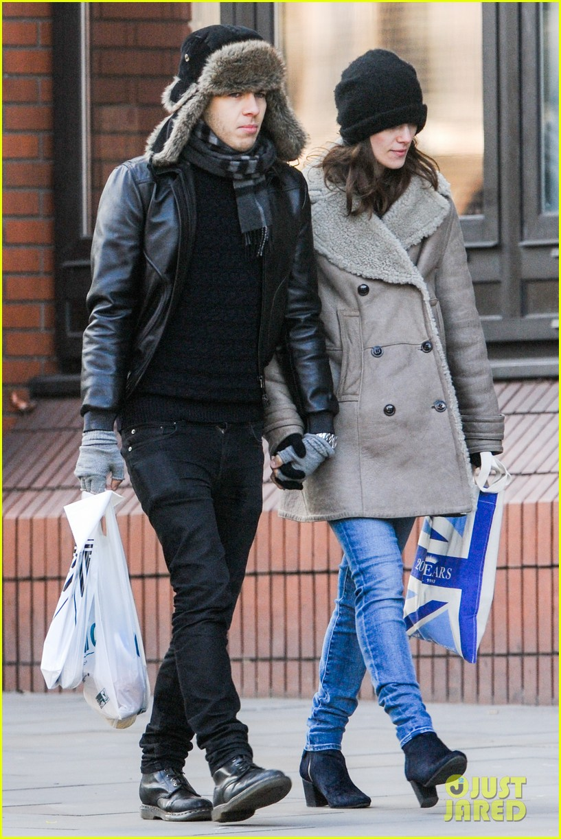 keira knightley james righton walk hand in hand for shopping trip 03