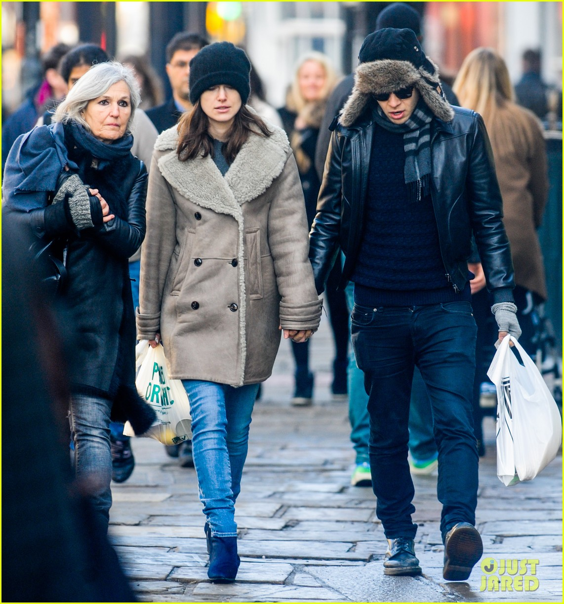 keira knightley james righton walk hand in hand for shopping trip 083031199