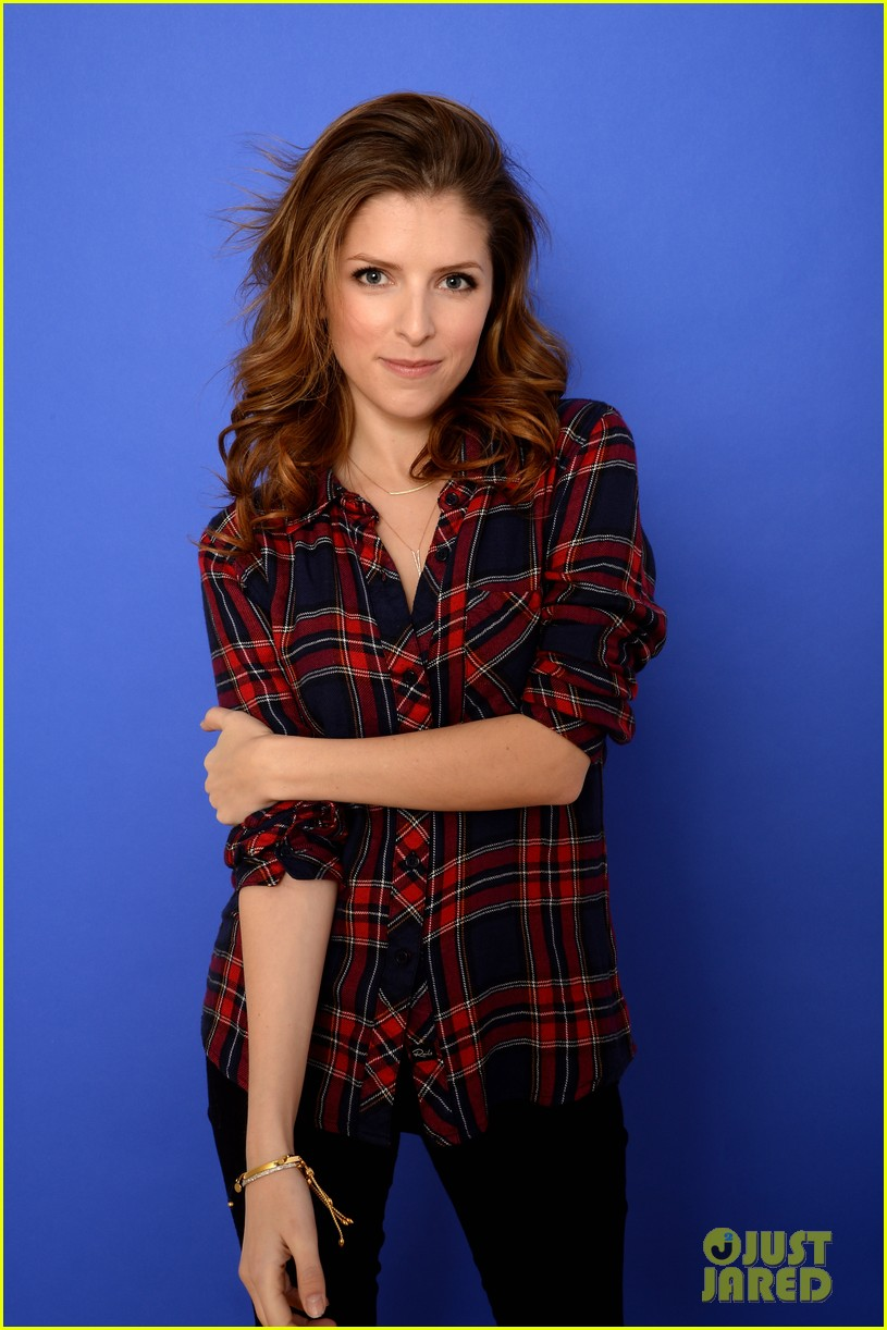 anna kendrick voices happy christmas premieres at sundance 063036261