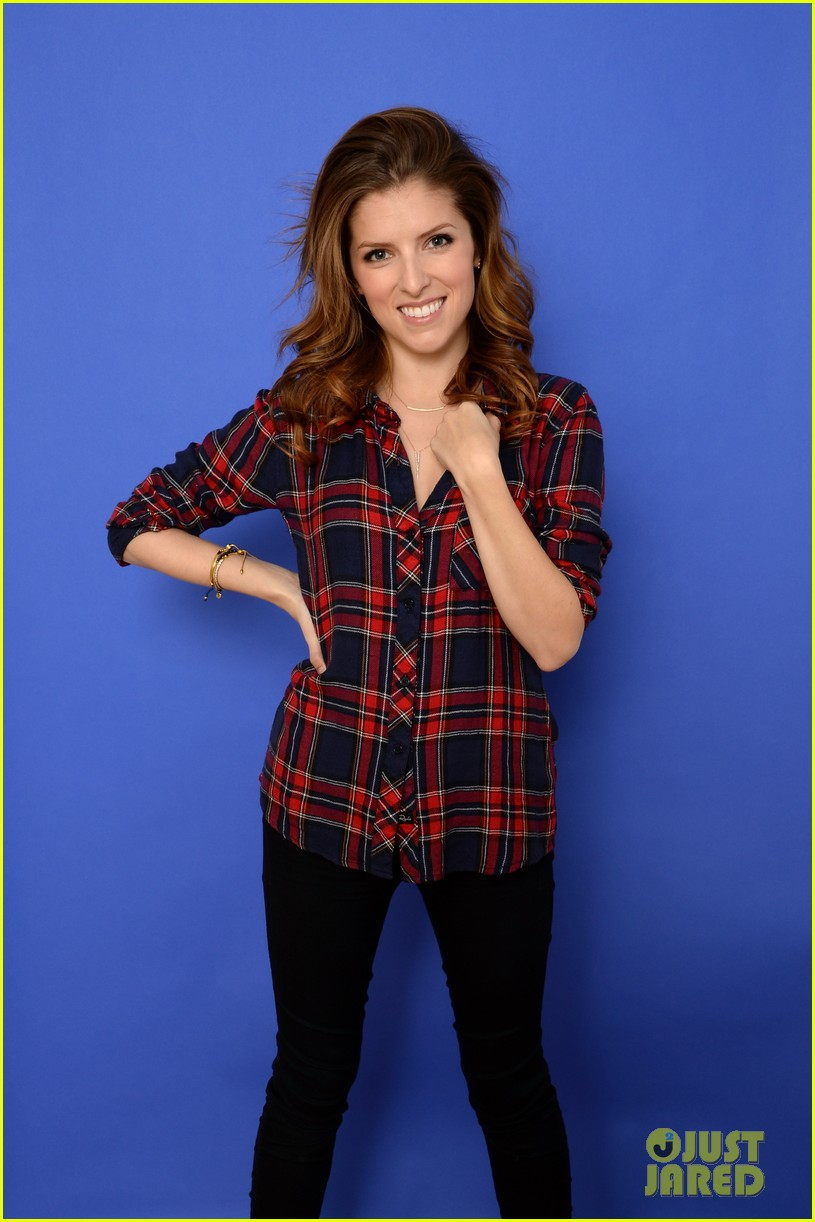 anna kendrick voices happy christmas premieres at sundance 073036262