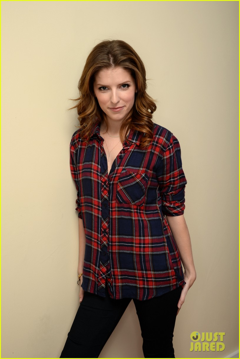anna kendrick voices happy christmas premieres at sundance 083036263