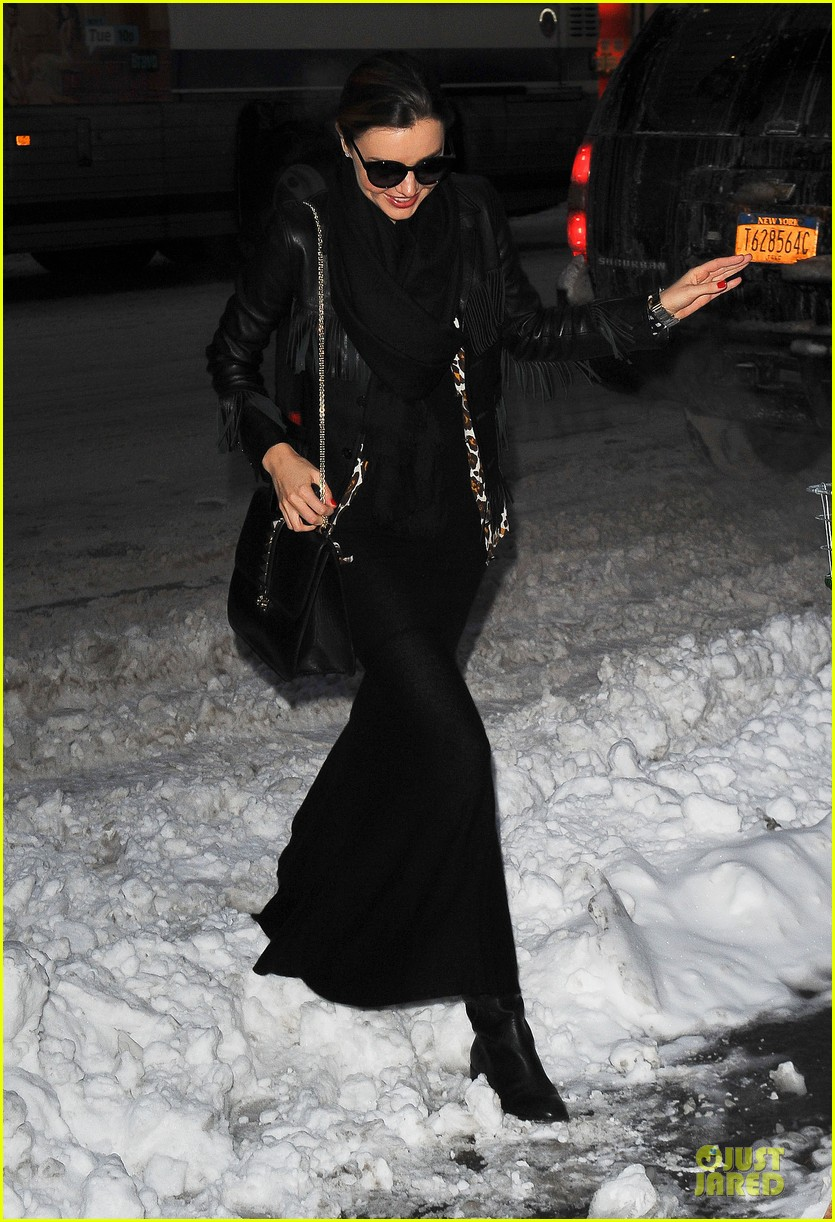 miranda kerr snowy salon stop in the new year 01